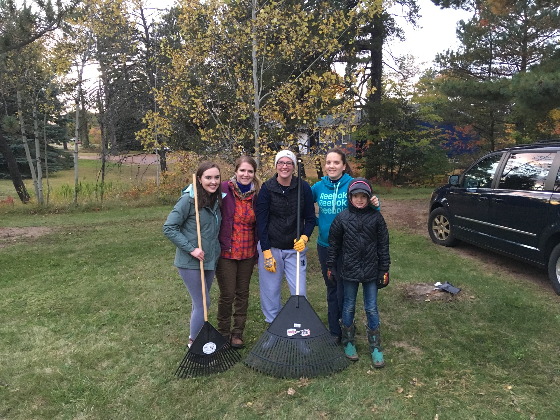 Marquette Senior Yard Cleanup - Fall 2018